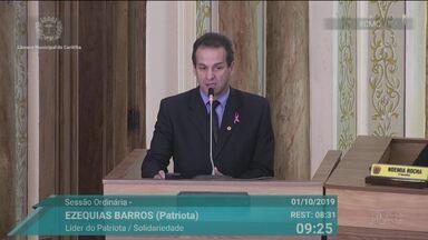 Vereador fala sobre morte de meninos do Parolin na tribuna da Câmara Municipal - Ele usou passagem bíblica para defender ação dos policiais.