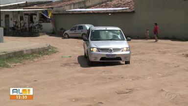 AL1 nas Comunidades volta a rua Rotary no Tabuleiro - Problema de saneamento na localidade ainda não foi solucionado.