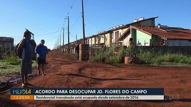 Justiça propõe acordo para desocupar o residencial Flores do Campo - Residencial está ocupado desde setembro de 2016.