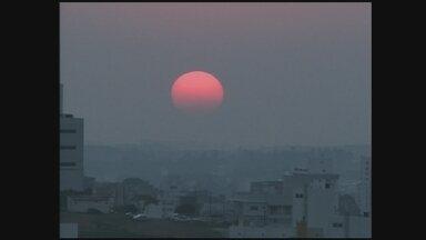 Cinegrafistas registram imagens do amanhecer e pôr do sol em Chapecó; confira a previsão - Cinegrafistas registram imagens do amanhecer e pôr do sol em Chapecó; confira a previsão