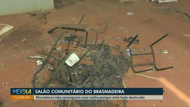 Comunidade e prefeitura se unem para a reforma do salão comunitário do Brasmadeira - Há anos salão não pode ser usado pela comunidade porque local está todo destruído e sujo.