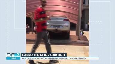 Motorista tenta invadir prédio do Dnit e fica preso na escadaria - Segundo a polícia, ele estava atrás da ex-companheira.