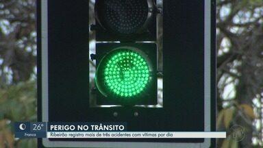 Ruas do bairro Campos Elíseos têm trânsito com mais acidentes em Ribeirão Preto, SP - Equipe da EPTV foi até lá para tentar entender os motivos de tantas batidas.