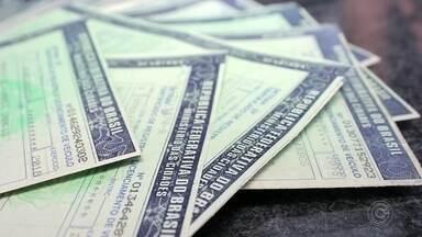 Mais de três mil veículos apresentam pagamento do IPVA atrasado em Itapetininga - Mais de três mil veículos apresentam pagamento do IPVA atrasado em Itapetininga (SP).