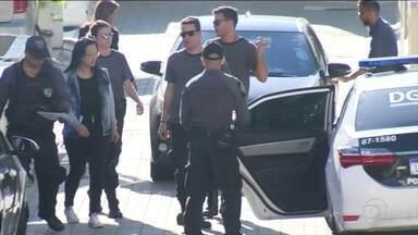Caso Marielle: Polícia Civil e MP prendem quatro suspeitos de atrapalhar investigações - Suspeitos estão ligados a Ronnie Lessa, um policial militar reformado que foi preso em março acusado de fazer os disparos que mataram a vereadora e o motorista Anderson Gomes.