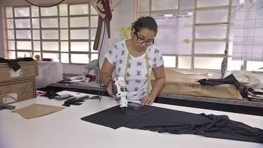 Costureiras montam startup e oferecem mão de obra e maquinário - Além de oferecerem seus trabalhos com costura, grupo de costureira também oferece capacitação no ofício.