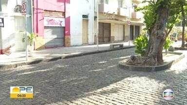 Recife proíbe circulação de veículos na Rua da Moeda mesmo após REC'n'Play - Via foi fechada durante festival e prefeitura anunciou que mudança será permanente.