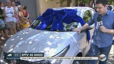 Ganhadora da promoção da 'EPTV 40 Anos' recebe carro 0 km em Ribeirão Preto - Nilce Helena Germano Rezende mora no Jardim Heiton Rigon.