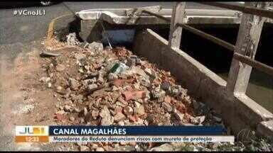 Moradoras do Reduto denunciam riscos na mureta de proteção de canal - Canal corre riscos.