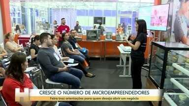 Feira em SP reúne empresários e pessoas que querem abrir o próprio negócio - Para ajudar quem já é ou quem quer virar um, a feira em São Paulo traz palestras, rodas de conversa, orientações sobre como ter e administrar uma pequena empresa.