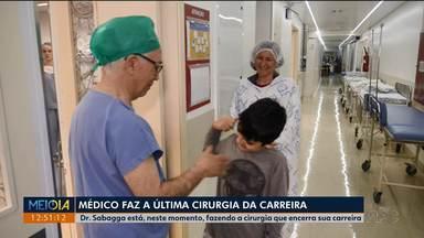 Médico faz a última cirurgia da carreira - Dr. Sabagga trabalha há 54 anos no Pequeno Príncipe e agora decidiu cuidar apenas dos médicos residentes