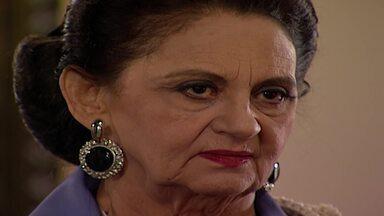 Capítulo de 14/11/1995 - Eugênia diz a Júlio que poderia ser sua amante. Soraya diz a Igor que ele não será feliz com Dara.