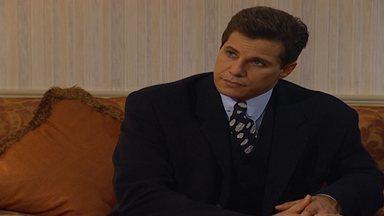 Capítulo de 07/11/1995 - Vera se arrepende e conta para Ivan que é casada. Júlio e Vera fazem as pazes, mas o empresário pensa em Dara. Sarita consola Odaísa. Dara e Igor ficam noivos.
