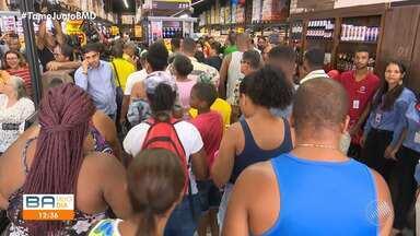Após reforma, loja da Cesta do Povo é reinaugurada no bairro do Ogunjá - Unidade é considerada a mais importante da rede e vai gerar cerca de 300 empregos, de acordo com o governo do estado.