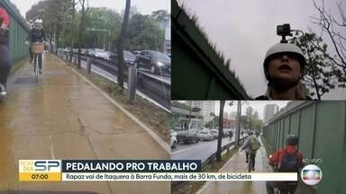 Bom Dia acompanha rapaz que faz o trajeto de Itaquera a Barra Funda - São mais de 30km pedalando e muitos trechos estão em condições críticas.