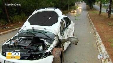 Duas pessoas ficam feridas em acidente, em Goiânia - Parente de uma das vítimas disse que ambos estão se recuperando dos machucados.