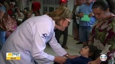Mutirão atende crianças que estão com dificuldade de enxergar - Ação acontece no Altino Ventura, no Recife; médica explica os sinais de que os pequenos têm problema na vista.
