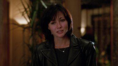 Encontro Com O Homem Morto - Após ser morto por bandidos de gangues asiáticas, Mark fica com a alma à disposição de Yama. Phoebe trabalha duro para comprar um presente para alguém especial.