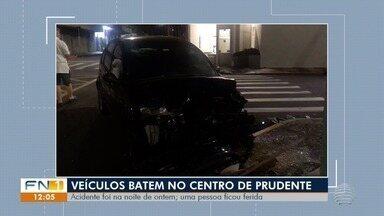Acidente de trânsito envolve dois veículos no Centro de Presidente Prudente - Batida ocorreu no cruzamento entre as ruas Barão do Rio Branco e Doutor José Foz.