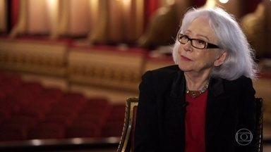 Prestes a fazer 90 anos, Fernanda Montenegro diz: 'Cada dia que acordo, dou graças a Deus' - Em conversa com Edney Silvestre, a atriz diz que não se arrepende de nada do que fez na vida e celebra os encontros que teve em sua carreira.