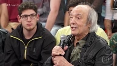 Erasmo Carlos revela que ficou impressionado com talento de Zeca Pagodinho - Cantor explica que acompanha o sucesso do amigo desde o início da carreira