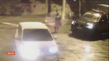 Imagens de câmera de segurança desmentem versão de sargento da PM após tiroteio - Em depoimento, PM disse que houve confronto, mas vídeo mostra uma situação diferente, no Rio de Janeiro.