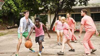 Vietnã: O Orfanato - May e Ashley decidem fazer um trabalho voluntário no Vietnã. Dylan e Sean usufruem de um hotel de luxo sem pagar por isso. Sean complica as coisas por sentir inveja de Dylan.