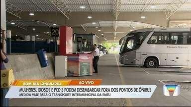 Governo sanciona lei que permite que mulheres e idosos desçam fora dos pontos de ônibus - Regra que já era aplicada na capital agora passa a valer também nas regiões metropolitanas do estado.