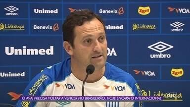 Com Evando no comando, Avaí recebe o Inter na Ressacada - Com Evando no comando, Avaí recebe o Inter na Ressacada