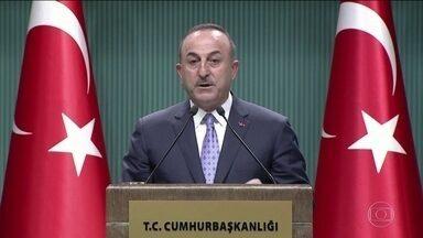 Turquia anuncia que vai suspender por cinco dias ataques contra os curdos na Síria - Governo turco afirmou que o prazo é para que as milícias curdas abandonem a região nordeste da Síria, onde a Turquia pretende criar uma zona de segurança na fronteira.