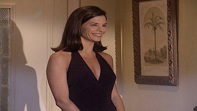 Capítulo de 20/06/2000 - Camila avisa que está em Tóquio, para surpresa de Helena. Edu decide contrariar a decisão de Helena e avisa que vai viajar junto com ela. Íris planeja ir para o Rio.
