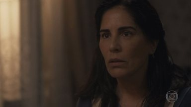 Lola rejeita a ideia de Júlio - Júlio se esforça para mostrar que sua ideia é boa, mas Lola não aceita