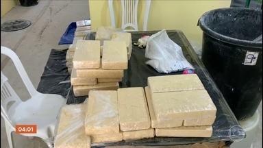 Polícia faz grande apreensão de cocaína em Nazaré Paulista (SP) - Além da droga, também foram encontrados vários equipamentos usados no preparo e venda dos entorpecentes.