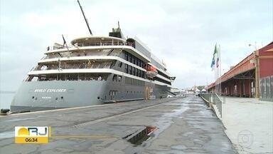 Temporada de cruzeiros pode trazer até 425 mil turistas para o Rio - Começou no fim de semana a temporada de cruzeiros no Rio, com a chegada do primeiro navio de turistas.