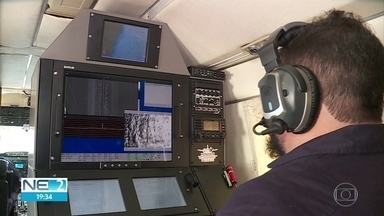 Avião do Ibama chega ao estado para monitorar áreas atingidas pelo óleo - Aeronave conta com equipamentos para detectar o material na superfície do mar