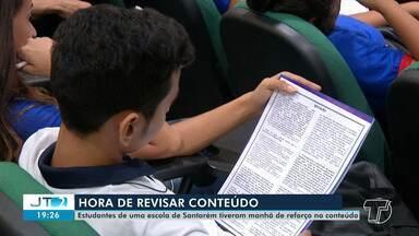 Estudantes têm manhã de reforço no conteúdo da prova do Enem em Santarém - Muitas escolas já estão fazendo a revisão do conteúdo para o Exame Nacional do Ensino Médio. As provas vão ocorrer nos dias 3 e 10 de novembro.