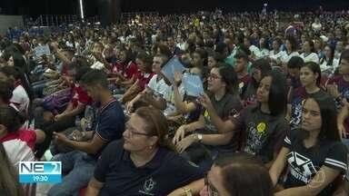 Aulão do Projeto Educação, da TV Globo, reúne estudantes de 257 escolas - Evento ocorreu no domingo (20), no Classic Hall, em Olinda