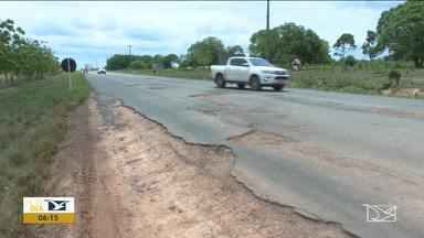 Motoristas sofrem com a situação de trechos das BR-222 e 316 - Buracos e mais buracos e motoristas preocupados e revoltados, principalmente os caminhoneiros.