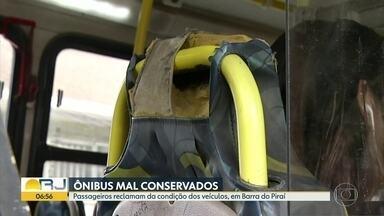 Moradores do sul e do norte do estado pedem melhorias nos ônibus - Veículos estão mal conservados, segundo os passageiros de Barra do Piraí.