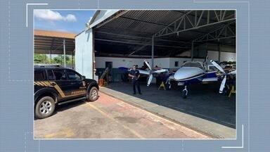 PF deflagra operação contra extração e venda ilegal de ouro em Goiás e mais dois estados - Investigação começou em junho, após apreensão de 110 kg de ouro - avaliados em R$ 20 milhões - dentro de um avião, no aeroporto de Goiânia. São cumpridos 26 mandados judiciais, inclusive, de sequestro de aeronaves.