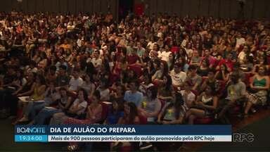 Aulão do Prepara atrai centenas de alunos na véspera do vestibular da UEL - Mais de 900 estudantes acompanharam a revisão de conteúdo promovida pela RPC