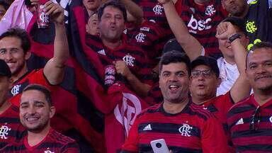 Rio vive clima de decisão com a semifinal entre Flamengo e Grêmio na Libertadores - Nesta quarta-feira (23), acontece a partida decisiva entre Flamengo e Grêmio. O Maracanã começou a receber os torcedores dos dois times. O esquema de segurança ao redor do estádio é de Copa do Mundo.