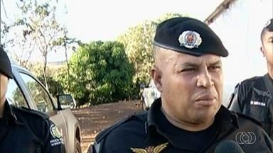 Major suspeito de estuprar duas irmãs é exonerado do cargo de comandante e segue preso - Policial Cristiano Silva de Macena chefiava a Companhia de Policiamento Especializado (CPE) de Rio Verde, cidade onde ocorreu o crime.