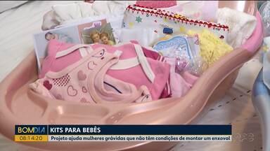 Projeto ajuda mulheres grávidas que não têm condições de montar um enxoval - As mães recebem um kit que irá ajudá-las nos primeiros meses da criança.