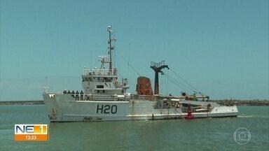 Marinha monitora chegada de manchas de óleo ao litoral de Pernambuco - Esforço é realizado para evitar que substância chegue às praias.