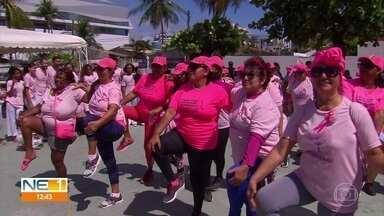 Grupo fala em Olinda da importância do autoexame de mama - Outubro é o mês de conscientização da importância da detecção precoce do câncer de mama.