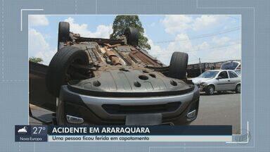 Capotagem em Araraquara deixa motorista ferida após colisão entre carros - Vítima de 35 anos foi encaminhada ao Hospital São Francisco com ferimentos leves.