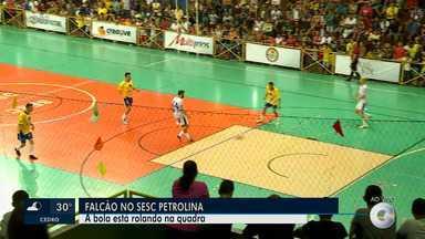 Competição de futsal foi realizada no Sesc com participação do jogador Falcão - Amantes do futsal compareceram ao ginásio do Sesc.