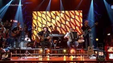 Bruno e Marrone cantam ' Na Conta da Loucura' - Dupla se apresenta no Altas Horas
