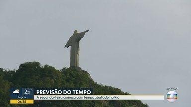 A segunda-feira começa com tempo abafado no Rio - No final do dia pode ter pancadas de chuva isoladas e queda de granizo.
